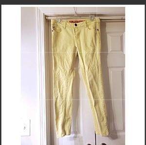 FAIRLY NEW TINSELTOWN JEANS YELLOW SIZE 9